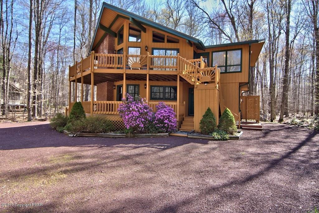 3183 Tall Timber Lake Rd, Pocono Pines, PA 18350