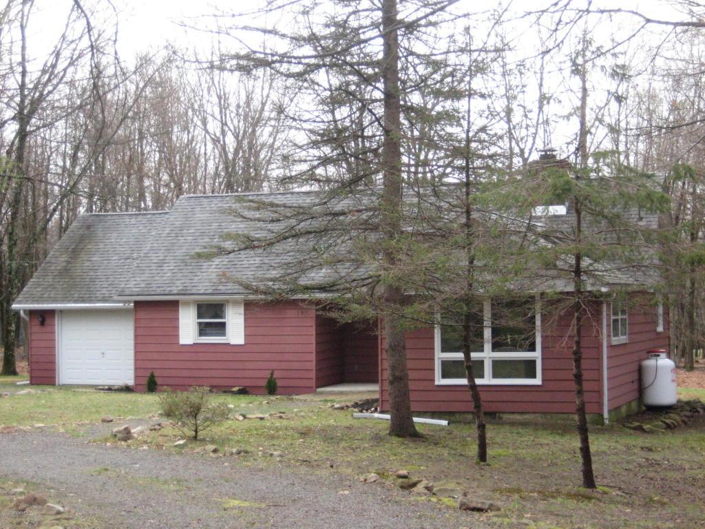 18 Fox Hill Rd, Albrightsville, PA 18210