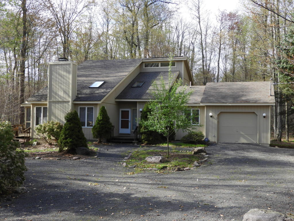 2131 Blue Ox Rd, Pocono Pines, PA 18350