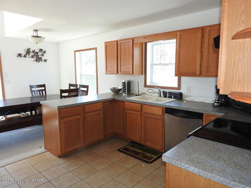 174 Laurel Ln, Blakeslee, PA 18610