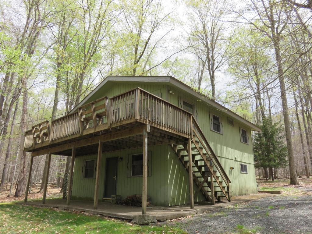 114 Lake Drive East, Gouldsboro, PA 18424
