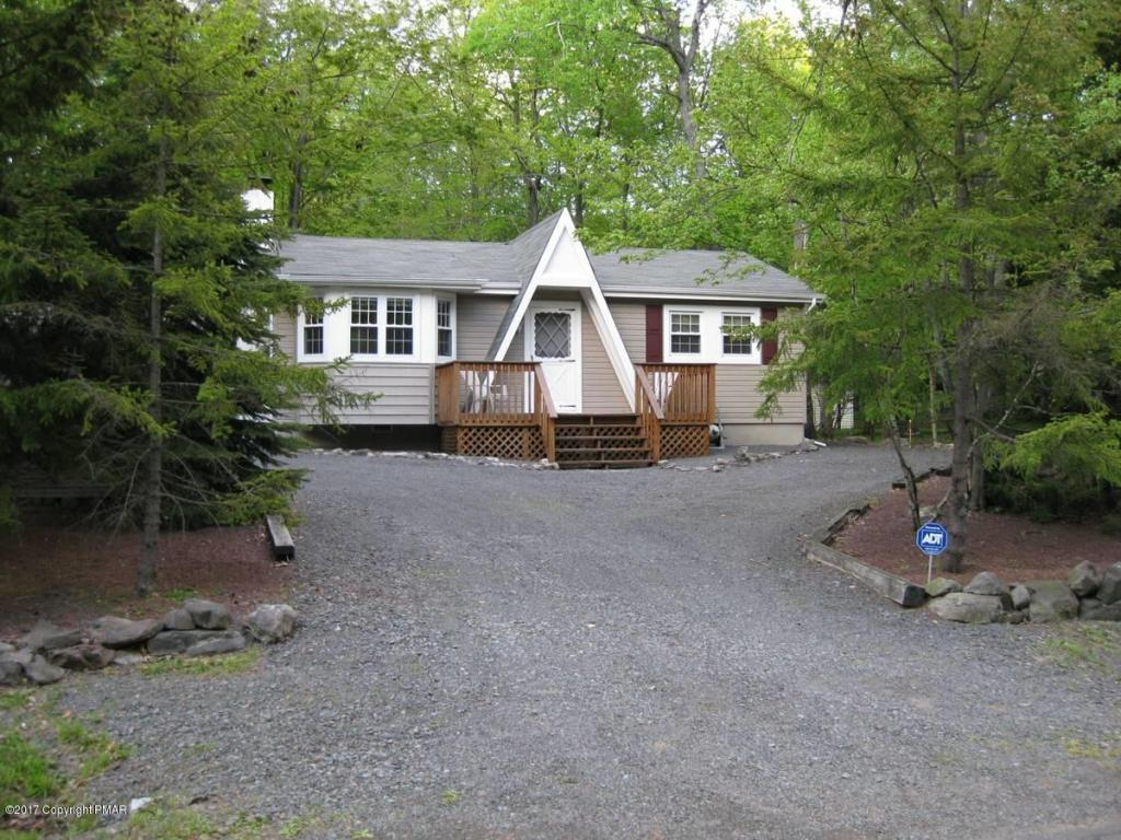 281 Outer Dr, Pocono Lake, PA 18347