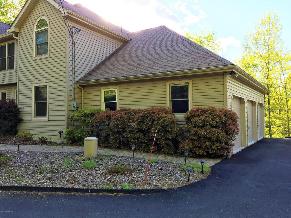 5123 Lake Dr, East Stroudsburg, PA 18301