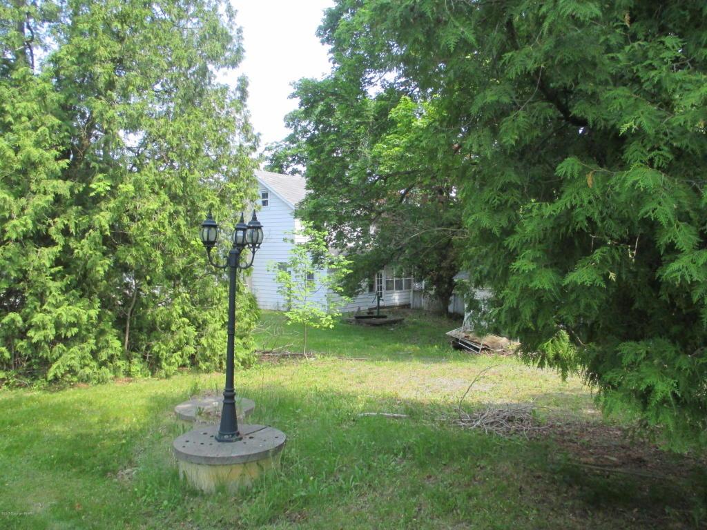 101 W Moorestown Rd, Wind Gap, PA 18091