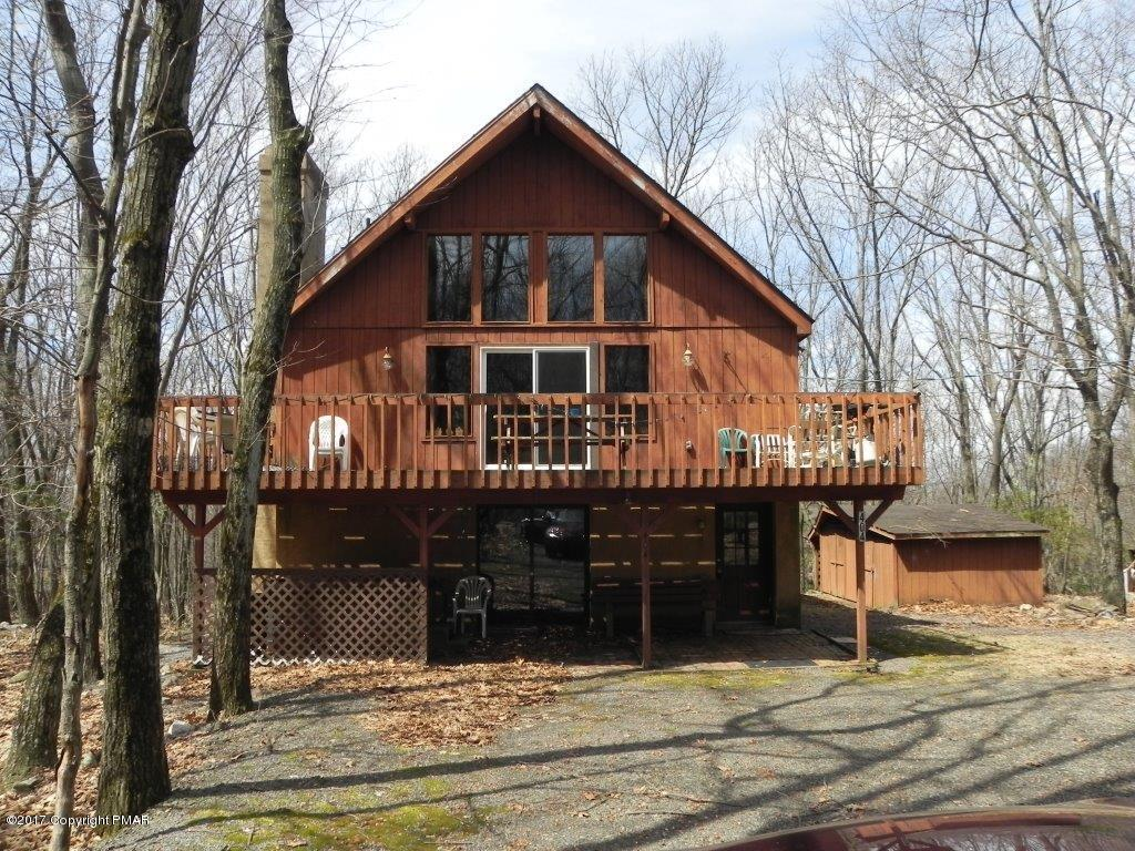404 Mountain Crest Dr, Lake Harmony, PA 18624