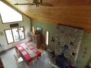 23 Skye Dr, Lake Harmony, PA 18624