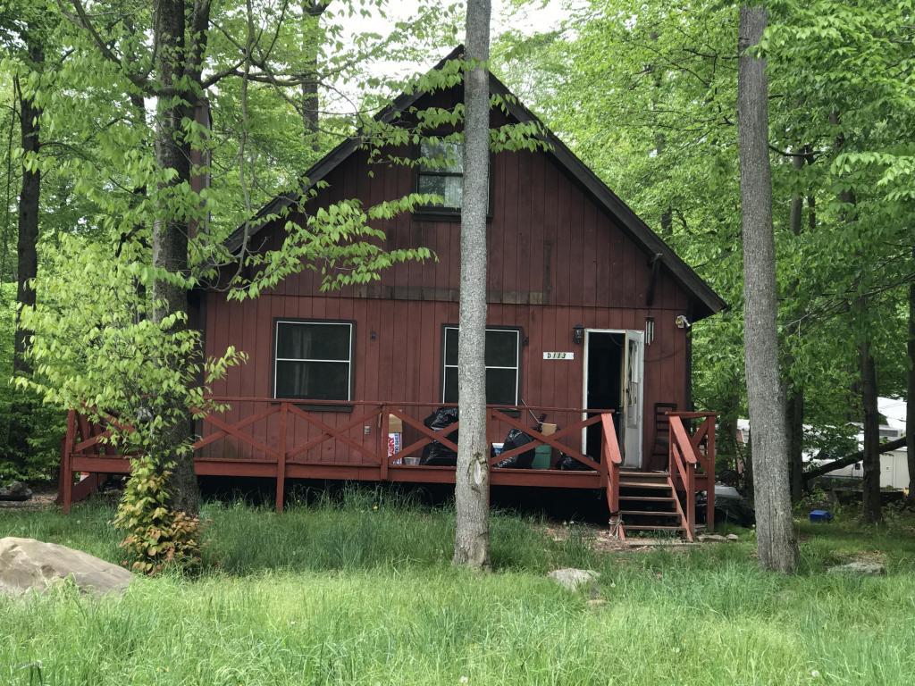 4638 Burnside Dr, Tobyhanna, PA 18466