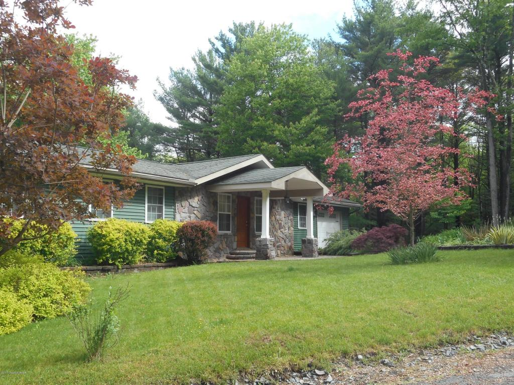 3309 Evergreen Ln, Canadensis, PA 18325