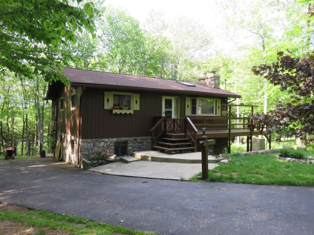 22 Mountainside Drive, Gouldsboro, PA 18424