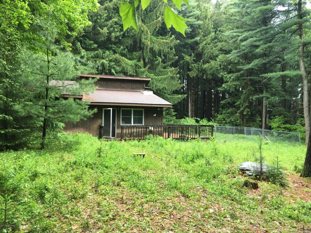 148 Ferncrest Rd, Blakeslee, PA 18610