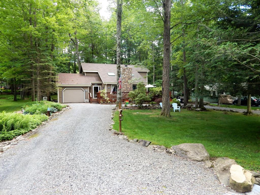 134 Ridge Rd, Pocono Lake, PA 18347