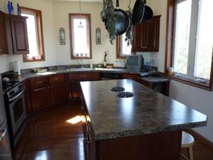 278 Wolf Hollow Rd, Lake Harmony, PA 18624