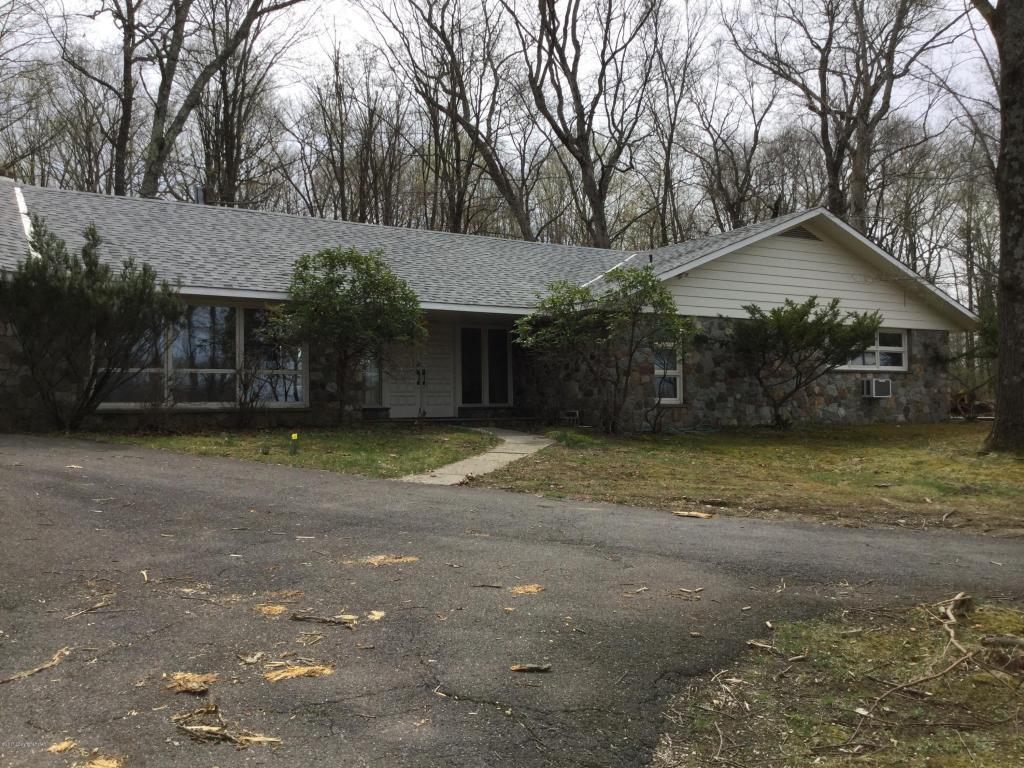 1541 Reish Rd, Stroudsburg, PA 18360
