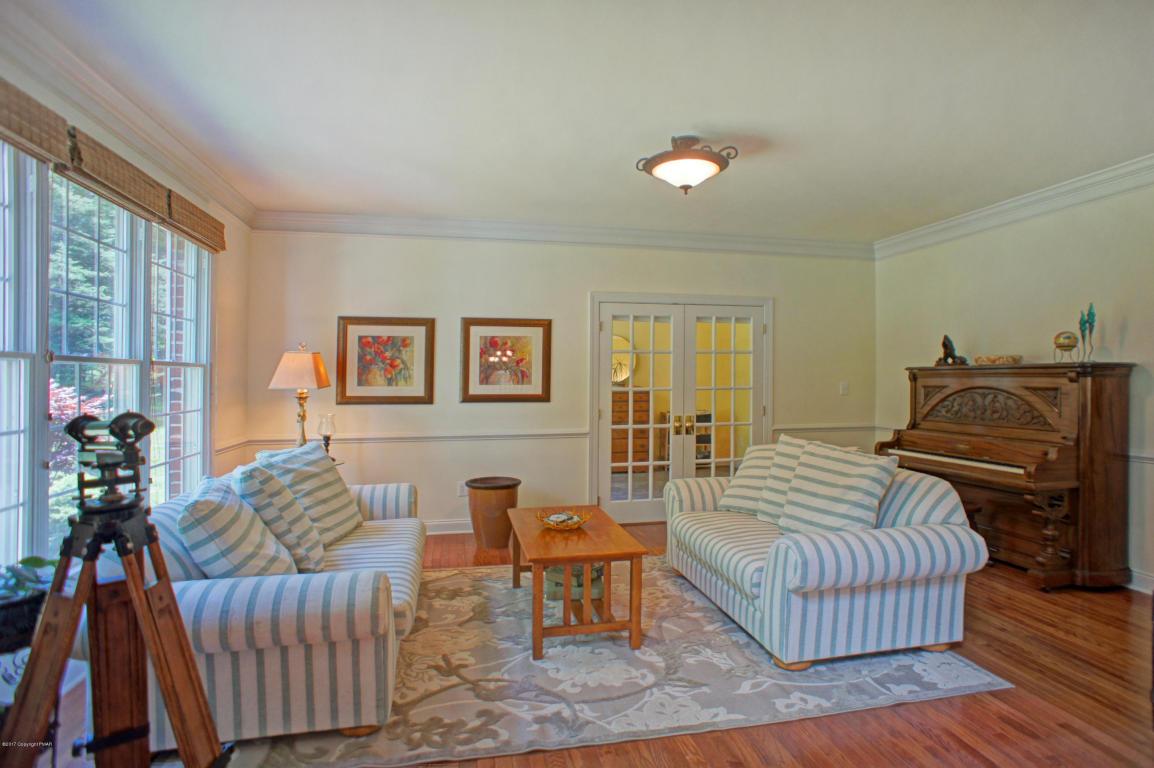 53 Keystone Rd, East Stroudsburg, PA 18302
