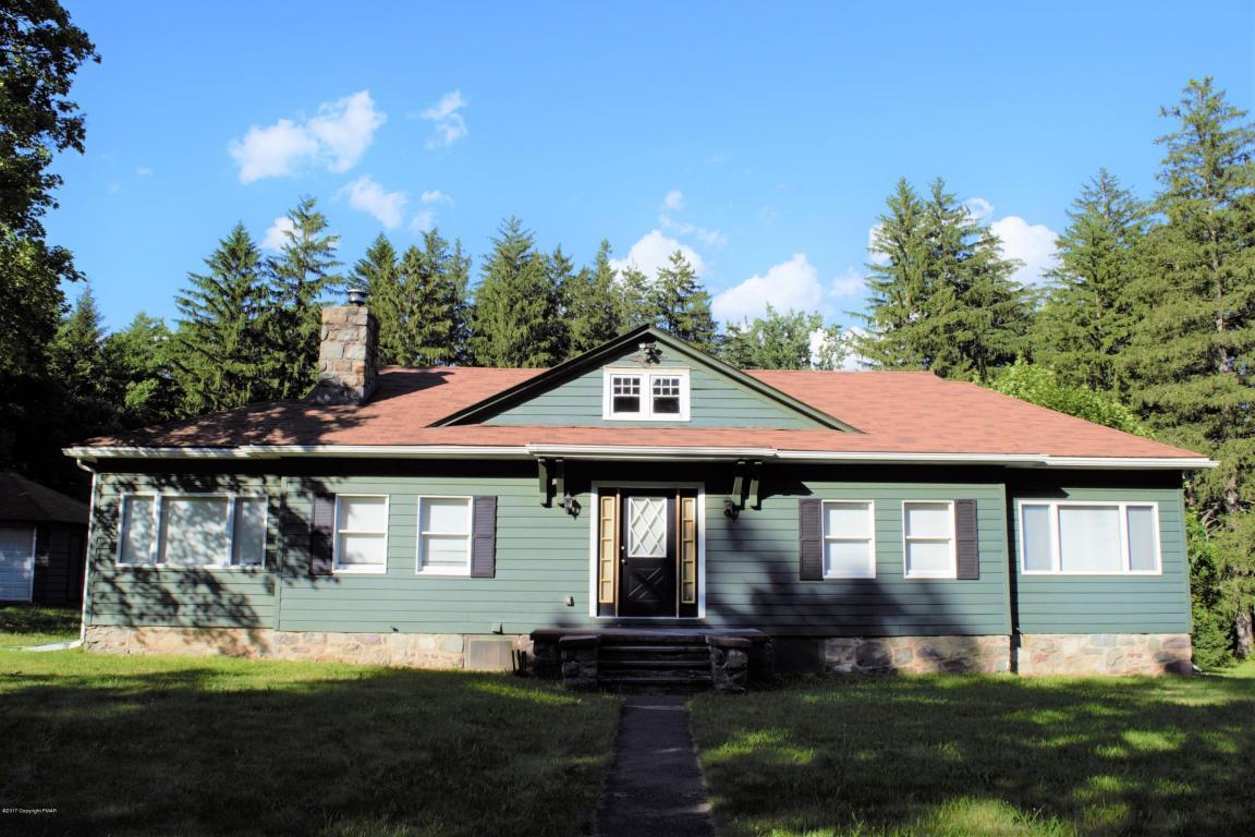 158 Carlton Rd, Cresco, PA 18326
