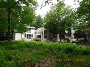 15 Woods End, Lake Harmony, PA 18624