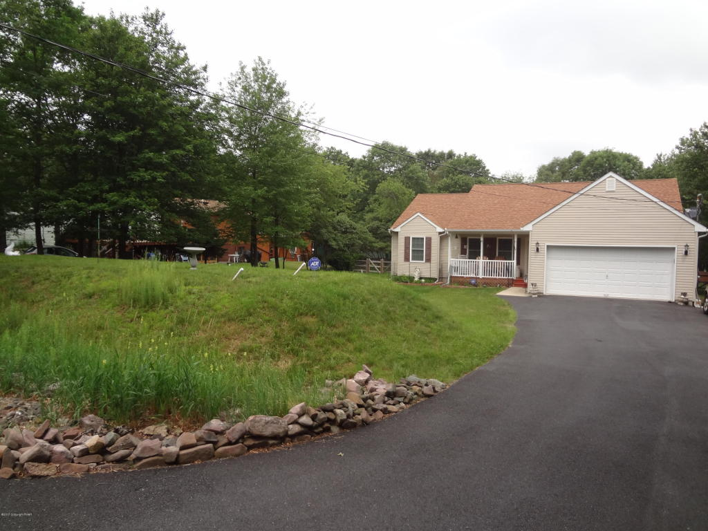 131 Crescent Way, Albrightsville, PA 18210