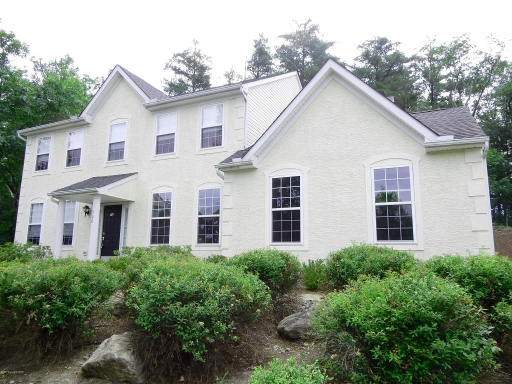 109 Players Court, East Stroudsburg, PA 18302