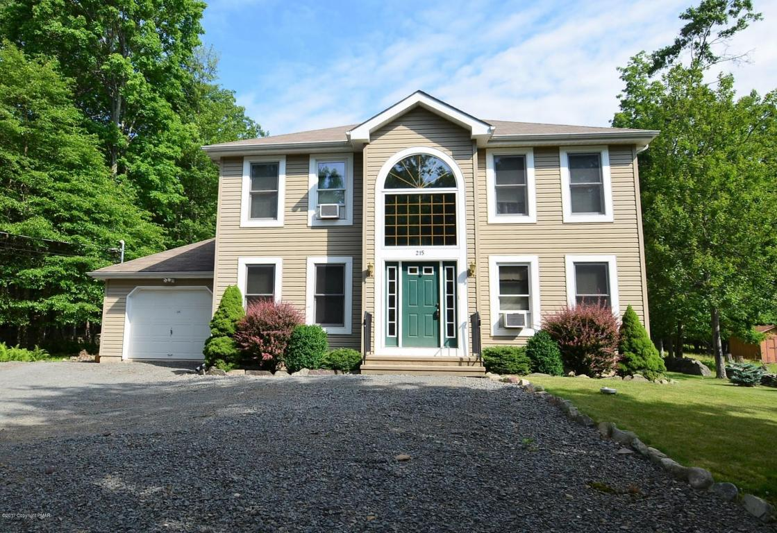 215 Mohican Rd, Canadensis, PA 18325