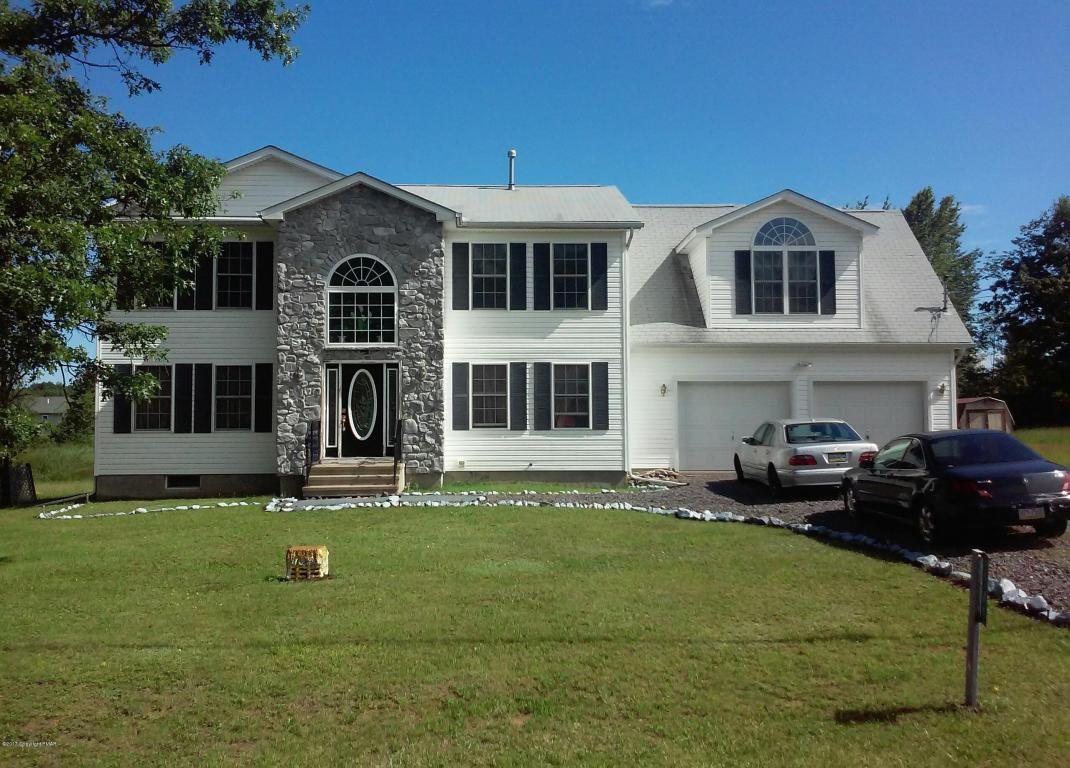 1149 Glade Dr, Long Pond, PA 18334
