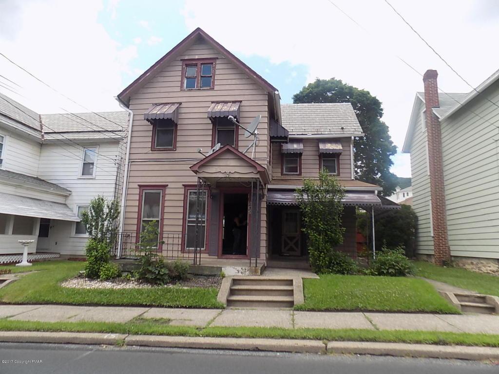 409 W Pennsylvania Ave, Pen Argyl, PA 18072