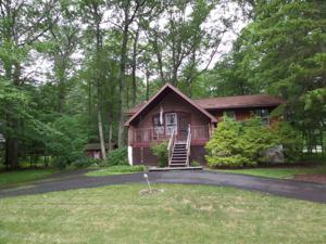 50 Wintergreen Cir, East Stroudsburg, PA 18301