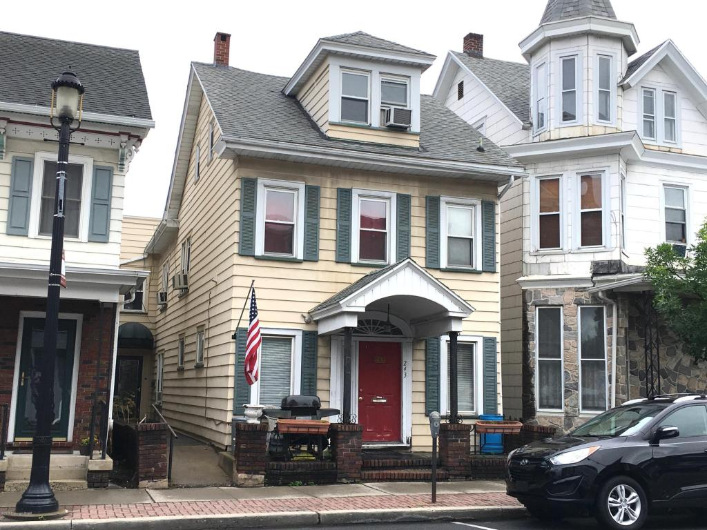 243 E Broad Street, Tamaqua, PA 18252