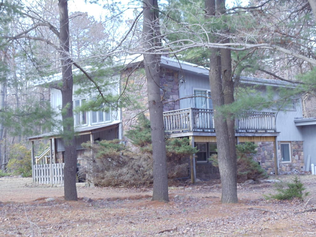 158 Pineknoll Dr, Lake Harmony, PA 18624