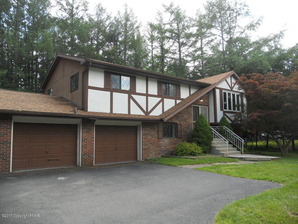 544 Sullivan Trl, Long Pond, PA 18334