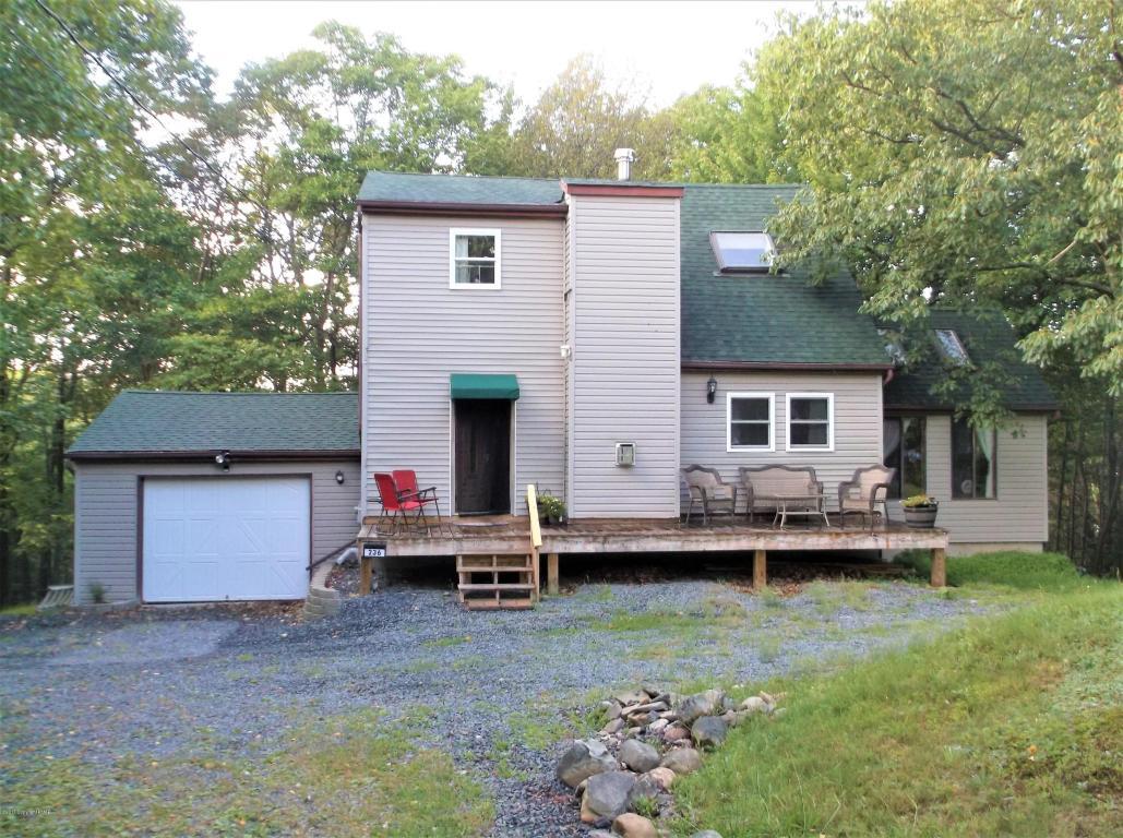 236 Hornbeam Ct, Long Pond, PA 18334
