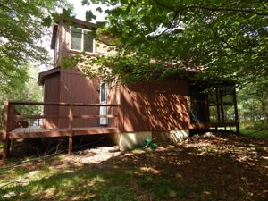 310 Ash Dr, Long Pond, PA 18334