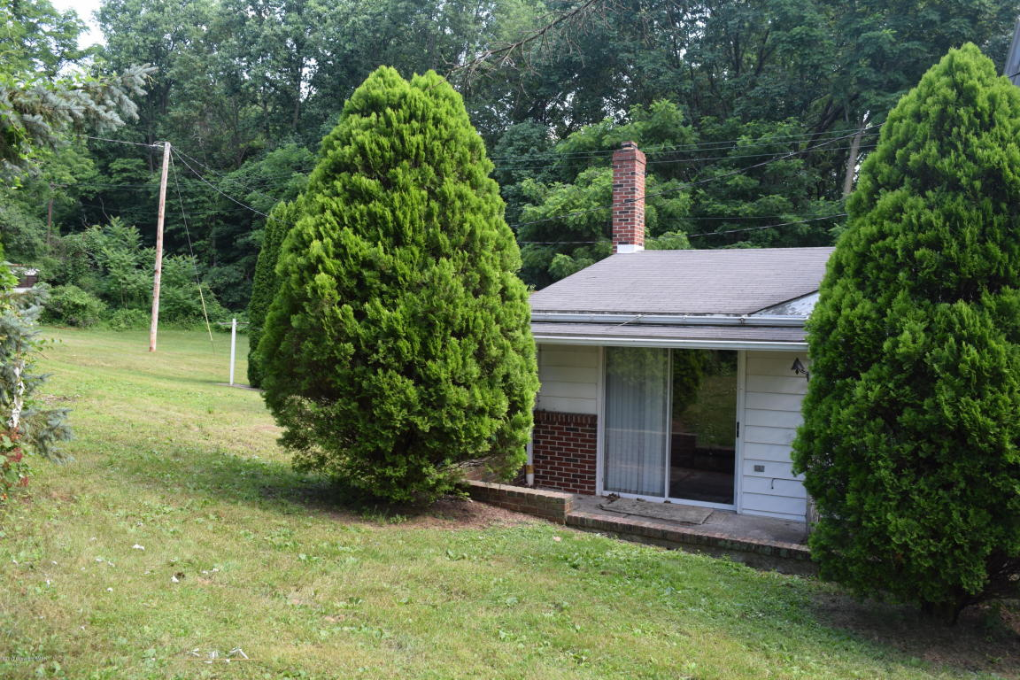 941 Glass St, Pen Argyl, PA 18072