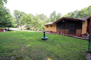 348 Wild Acres Dr, Dingmans Ferry, PA 18328