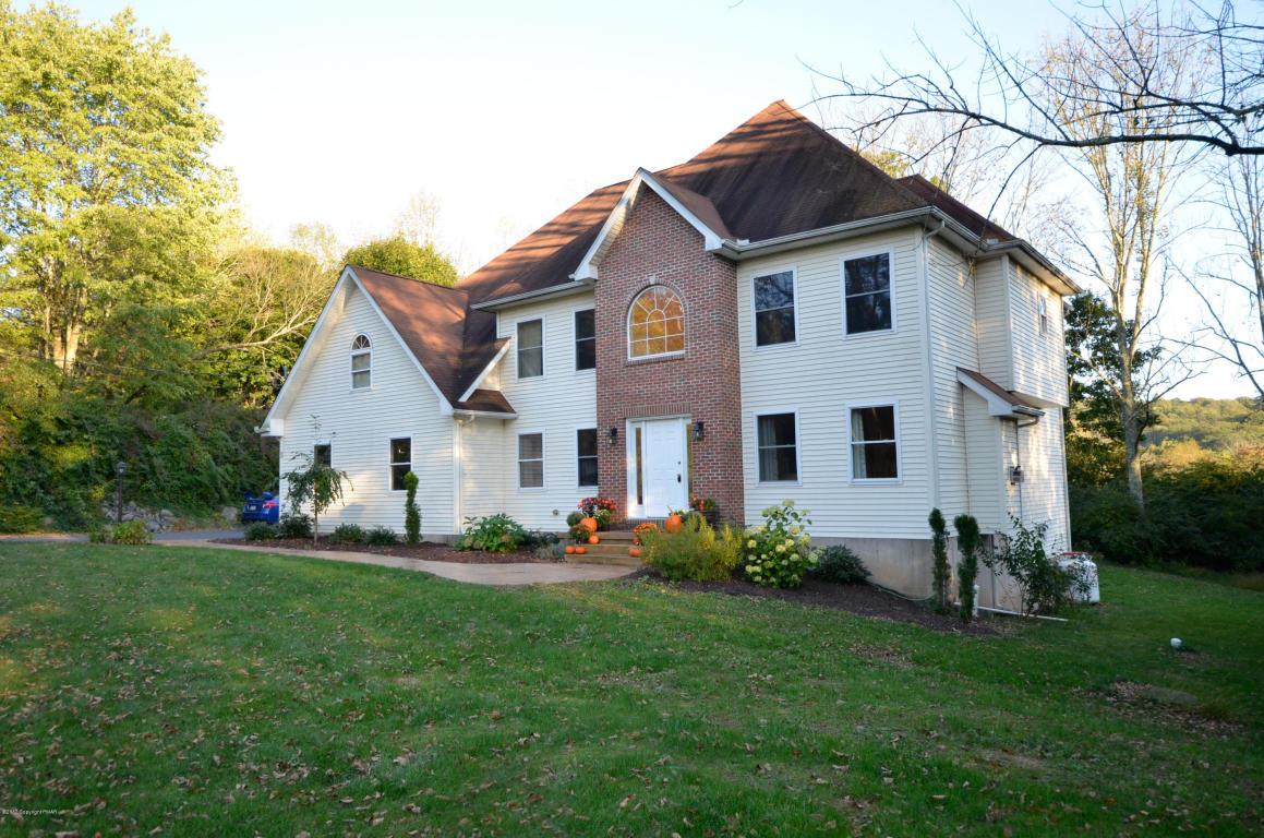 2510 Rising Hill Dr, Saylorsburg, PA 18353