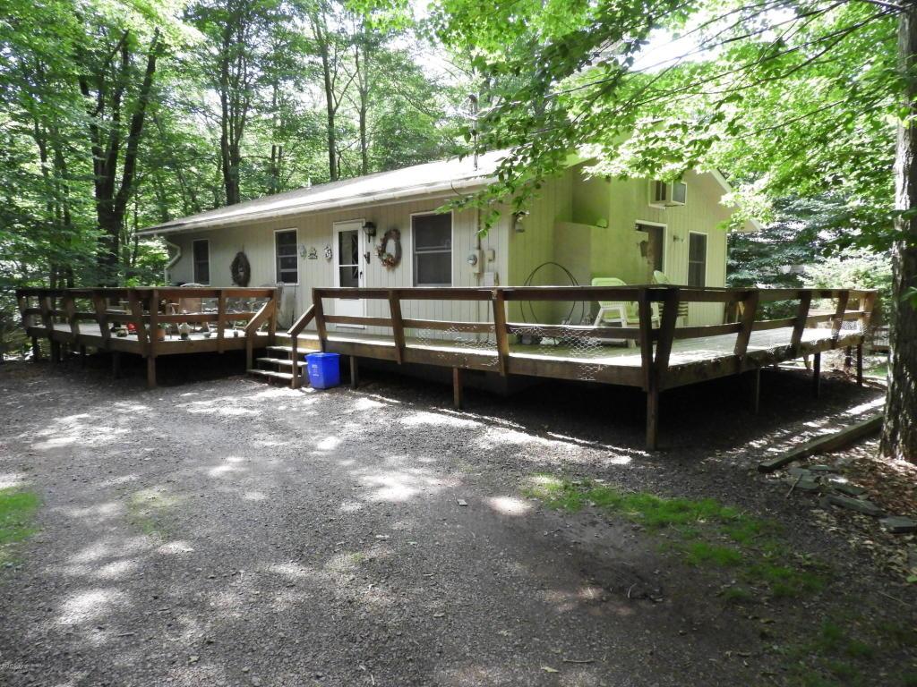 120 W Creek View Drive, Gouldsboro, PA 18424