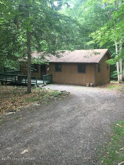 195 White Pine Dr, Pocono Lake, PA 18347