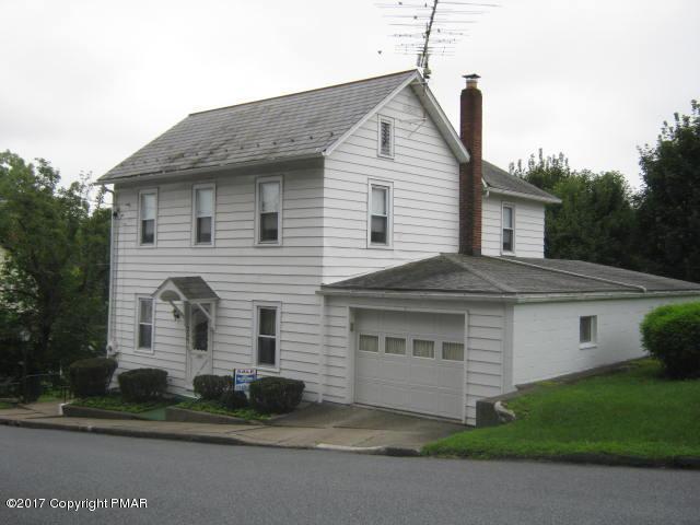 203 Center St, Pen Argyl, PA 18072