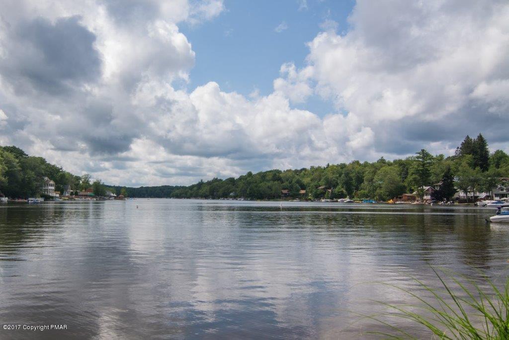 32 Lupine Dr, Lake Harmony, PA 18624