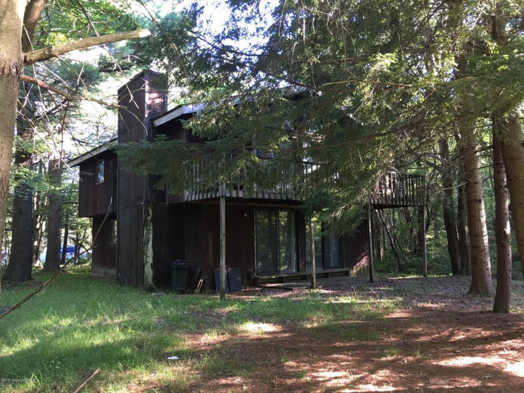 136 Longview Lane, Pocono Pines, PA 18350