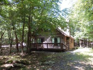 66 Pineknoll Dr, Lake Harmony, PA 18624