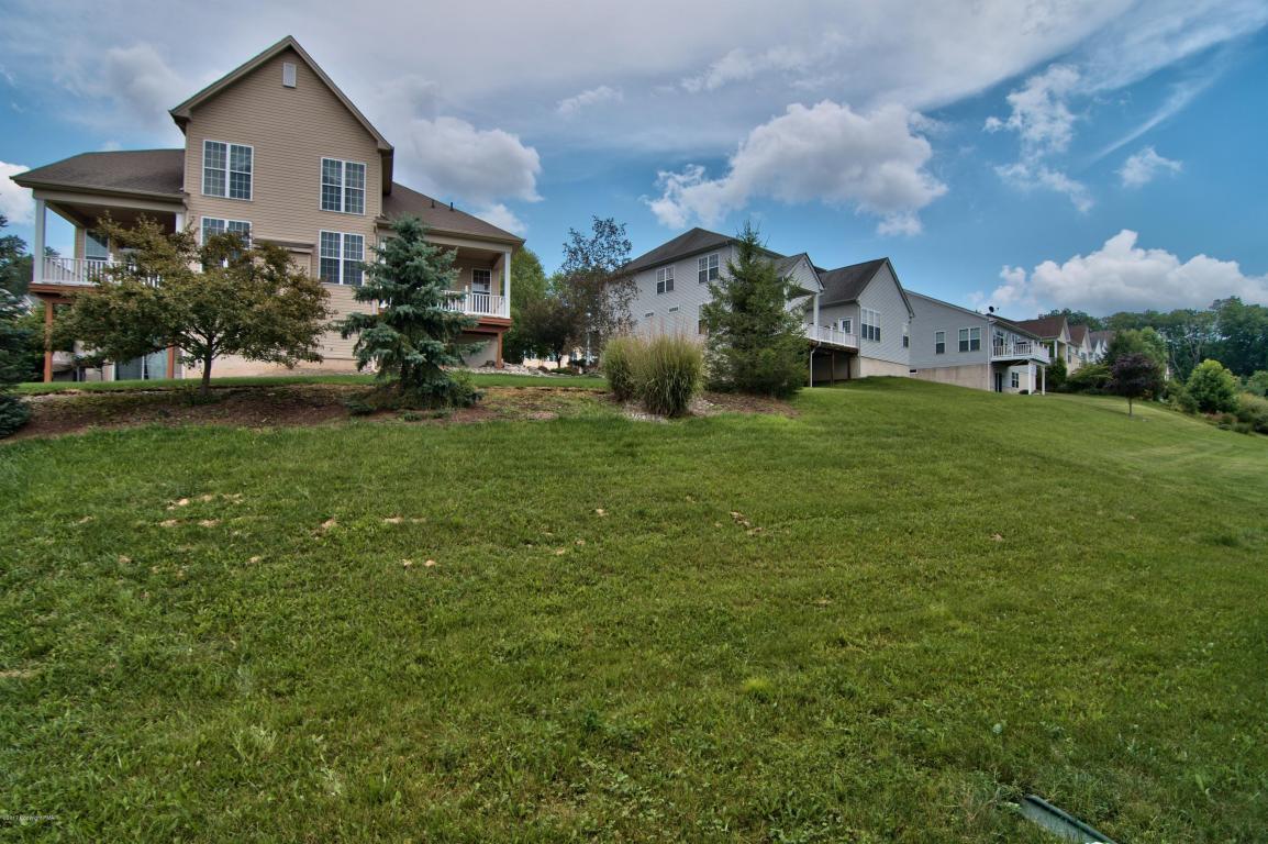 3124 Pine Valley Way, East Stroudsburg, PA 18302