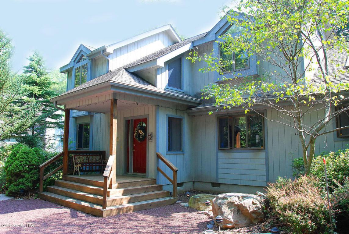 6163 Lakeview Dr, Pocono Pines, PA 18350