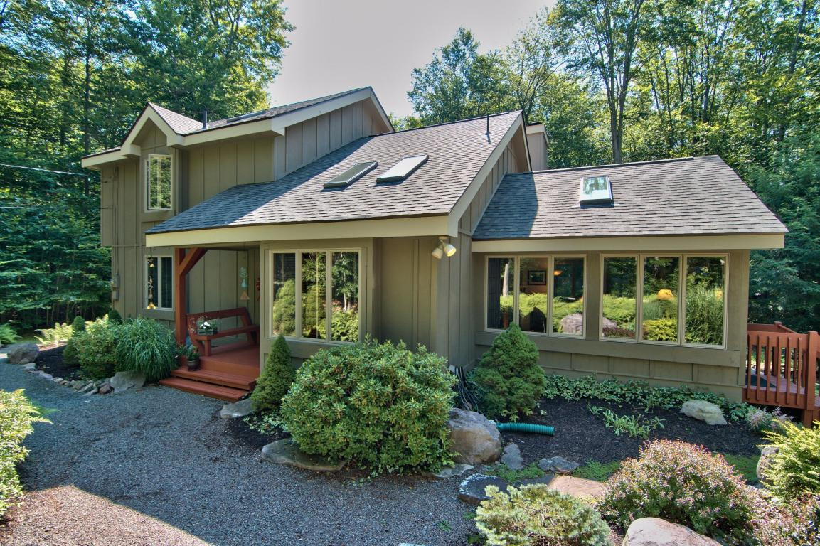 1192 Redwood Terrace, Pocono Pines, PA 18350