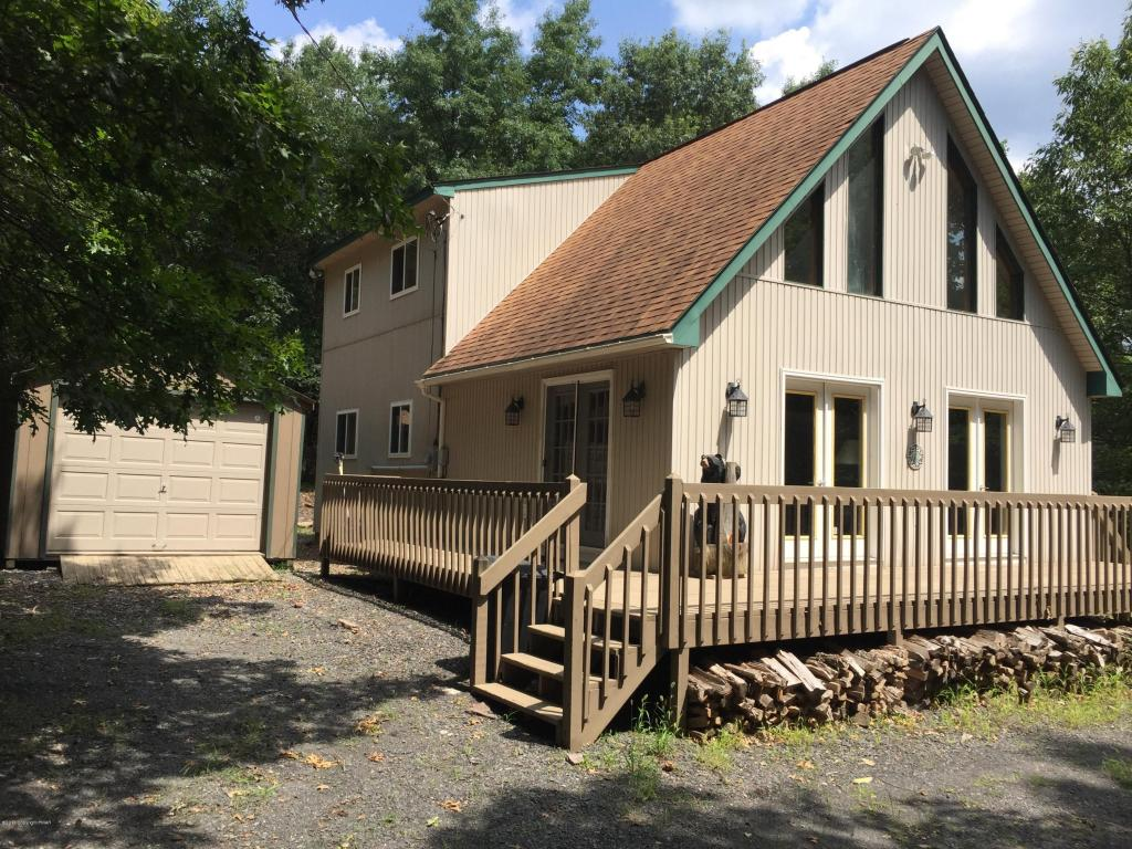 7 Iroquois Rd, Albrightsville, PA 18210