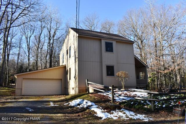 288 Moseywood Rd, Lake Harmony, PA 18624