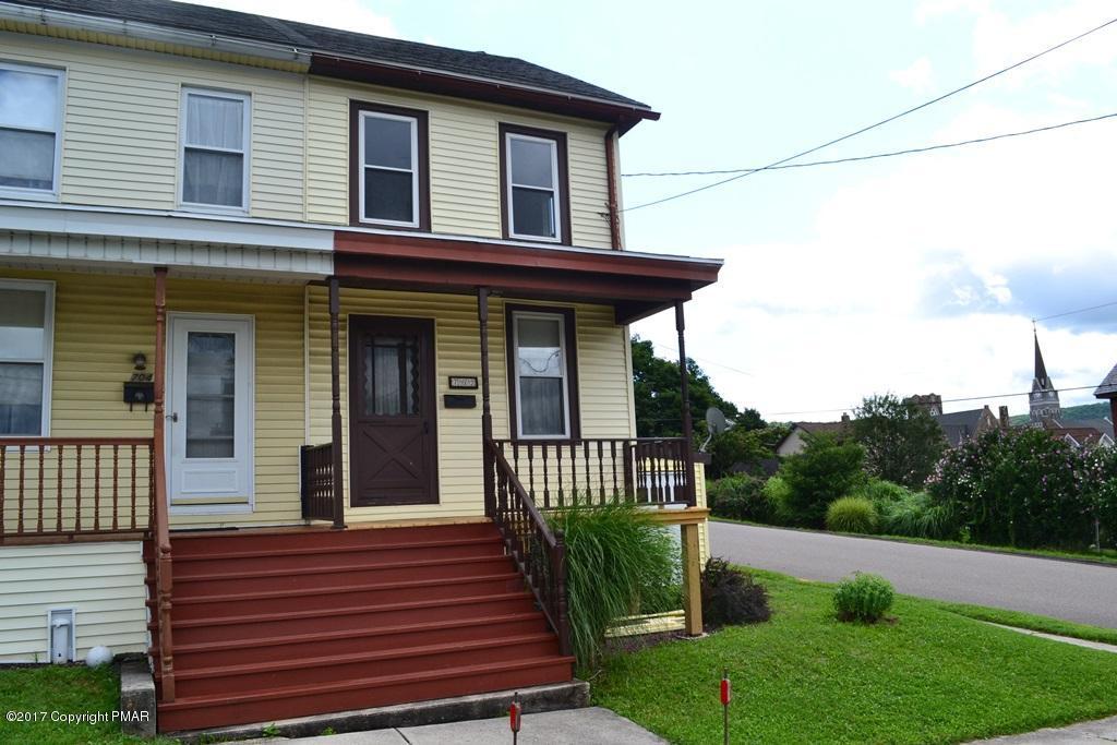 702 Lehigh St, Jim Thorpe, PA 18229