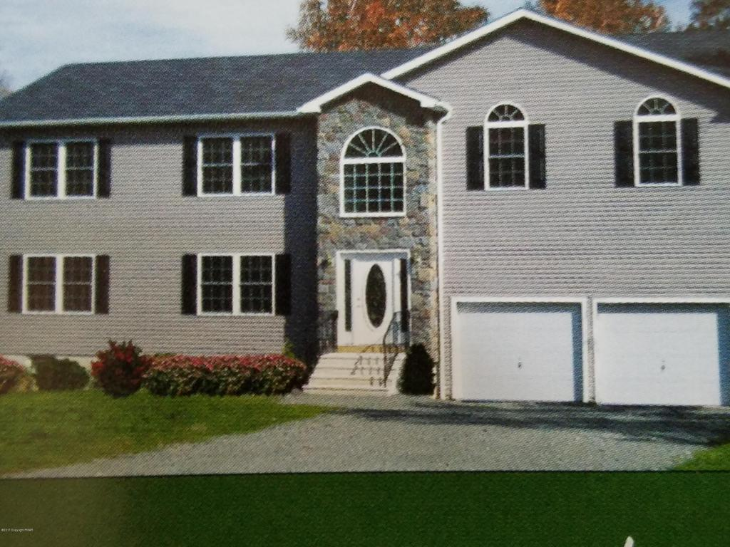 120 Sycamore Ln, Long Pond, PA 18334