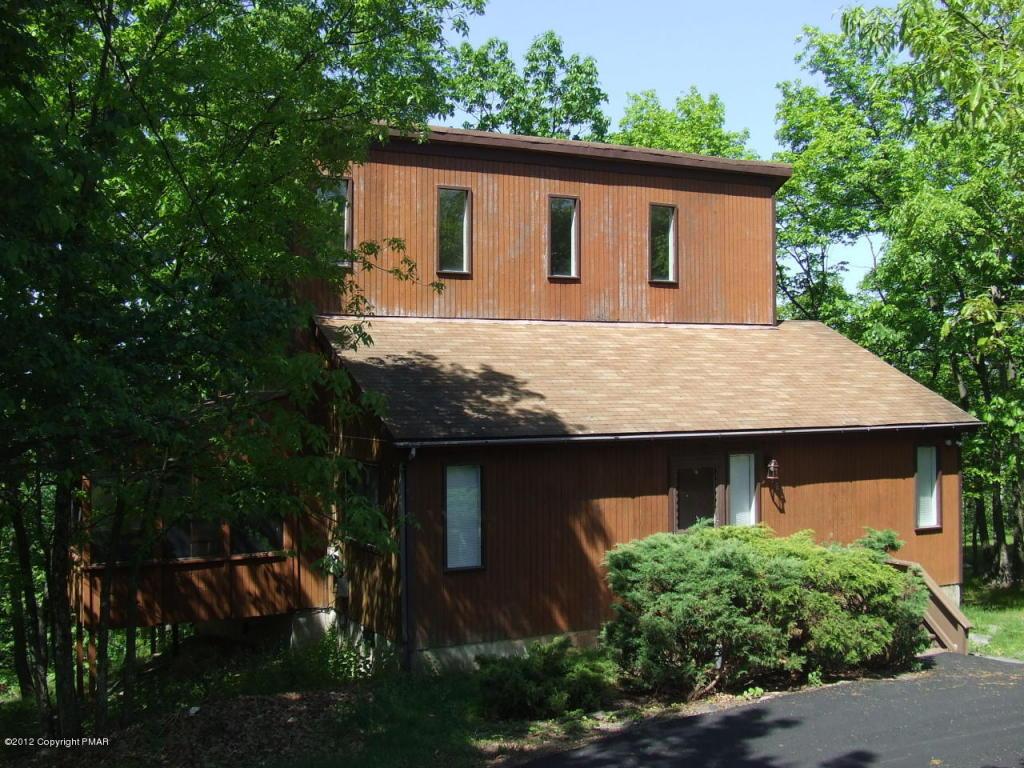 1566 Woodbridge Drive, Bushkill, PA 18324