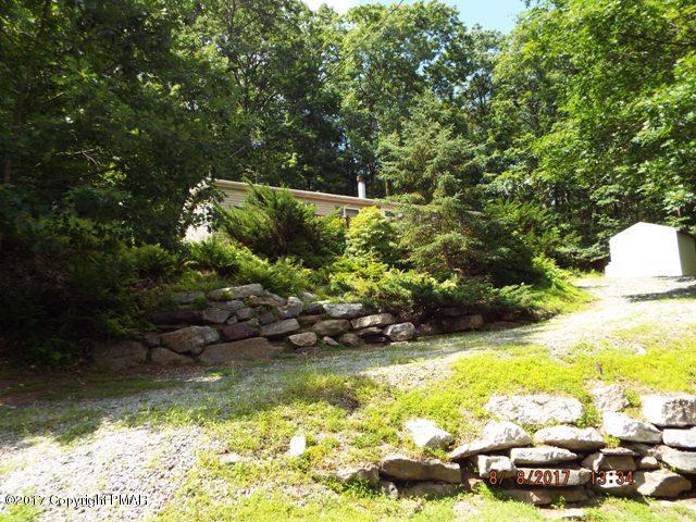 1130 Woodhaven Dr, White Haven, PA 18661