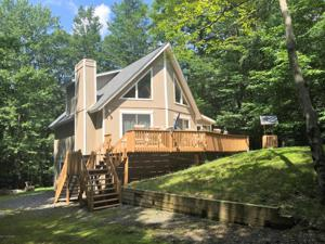273 Mountain View Dr, Pocono Lake, PA 18347